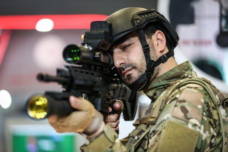 Türk mühendislerden 3 ayda lazer silah!