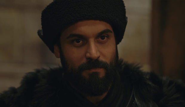 <p><strong>Albastı - Ali Ersan Duru</strong><br /> Beybolat Bey olarak diziye katılan Ertuğrul'un baş düşmanı Albastı Diriliş Ertuğrul 147.bölümü Ertuğrul Bey tarafından öldürüldü.</p>