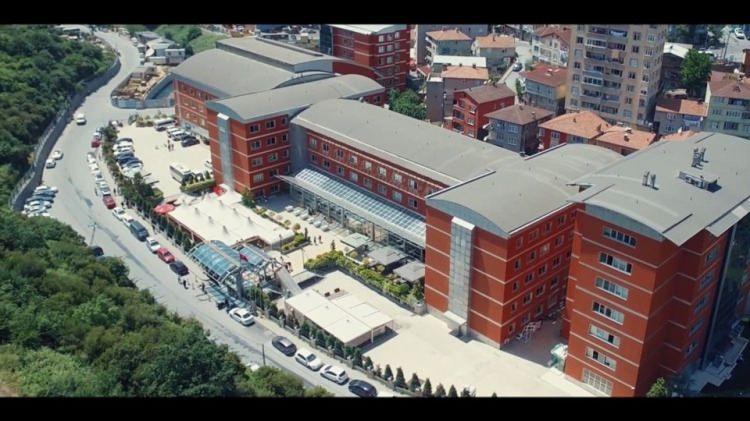 <p>5- Beykent Üniversitesi</p>  <p>Beykent Üniversitesi Türkiye genelinde kendi bölümünün puan türünde ilk 1000'e giren ve kesin kayıt yaptıran tüm öğrencilerine yılın 9 ayı 800 TL burs veriyor.</p>