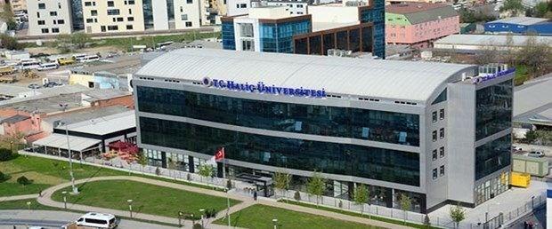 <p>11- Haliç Üniversitesi</p>  <p>Haliç Üniversitesi, Türkiye geneli sıralamasına göre öğrencilerine öğrenim boyunca burs imkanı tanıyor. İşte Haliç Üniversitesi'nin öğrencilerine sunduğu burs imkanı;</p>  <p>- İlk 250 kişiye aylık 1000 TL</p>  <p>- 251-2000 arasına girenlere aylık 500 TL</p>