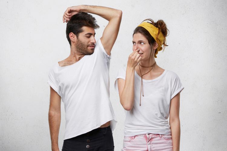 Ter kokusu neden olur? Ağır ter kokusunu önlemenin yolları