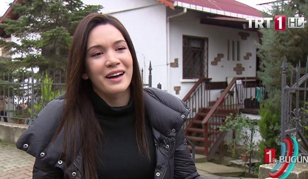 <p>1995 yılında dünyaya gelen Hazal Subaşı aslen İzmir doğumludur. Boğa burcudur. 2015 yılında katıldığı Elidor Miss Turkey yarışmasında finalist olmuş ve tüm dikkatleri üzerine çekmeyi başarmıştır. Yarışma'da 3. olduktan sonra sinema dünyasınında ilgi odağı olmuştur. Boyu 1.67 cm, kilosu ise 52'dir. Boyunun kısa olduğunu yarışmadan pek de umutlu olmadığını ama ona rağmen yarışmada istediği başarıya ulaştığını aktarmıştır.İzmir Ekonomi Üniversitesi Halkla İlişkiler ve Reklamcılık bölümünden mezun olmuştur.</p>  <p></p>  <p></p>