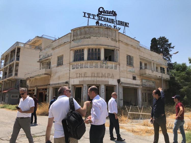 <p>Bakanlığın organize ettiği gezide, Maraş, gazetecilere mihmandarlar eşliğinde gezdiriliyor.</p>