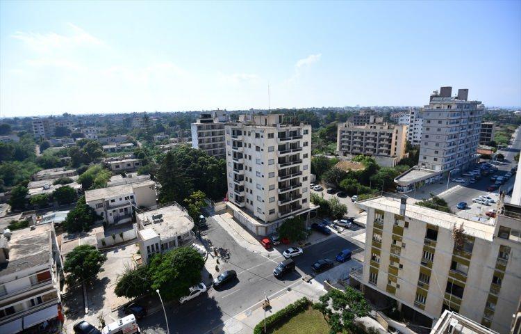 <p>Kuzey Kıbrıs Türk Cumhuriyeti (KKTC) Başbakan Yardımcılığı ve Dışişleri Bakanlığı tarafından, 45 yıldır kapalı olan ve 'Hayalet Şehir' olarak bilinen Maraş'a Adalet Bakanı Gül ve gazetecilerin girişi sağlandı.</p>