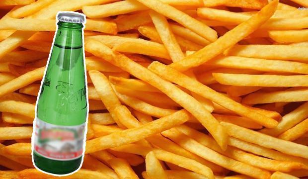 <p>Evde en çok tercih edilen besinlerin başında gelen patates, yemeği kadar kızartmasıyla da meşhur. Bizde özellikle marketlerden hazır alınan patatesleri kızartmak istemeyenler için çıtır patates kızartma formüllerini sıraladık. Peki evde ufak dokunuşlarla çıtır çıtır patates nasıl kızartılır? İşte hem kahvaltıda hemen akşam yemeğinde tercih edebileceğiniz sodalı patates kızartma...</p>