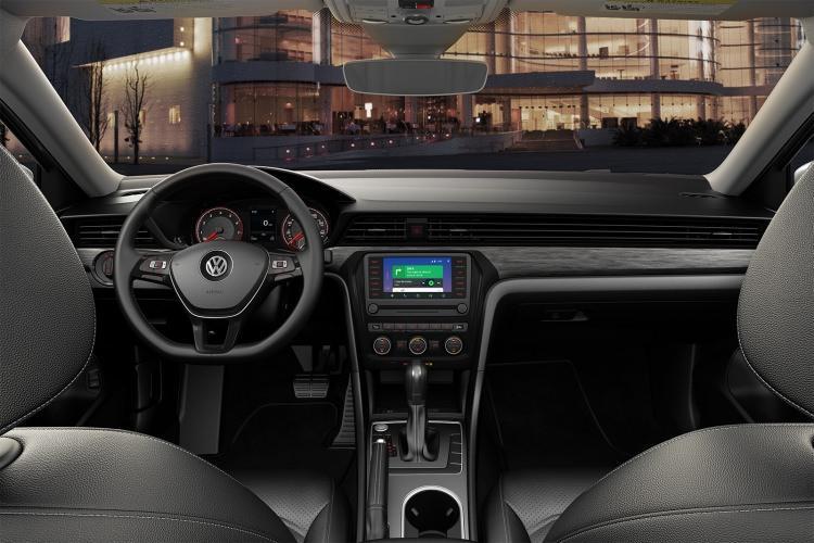 2020 Volkswagen Passat'a ait detaylar görenleri etkilemeyi başardı!
