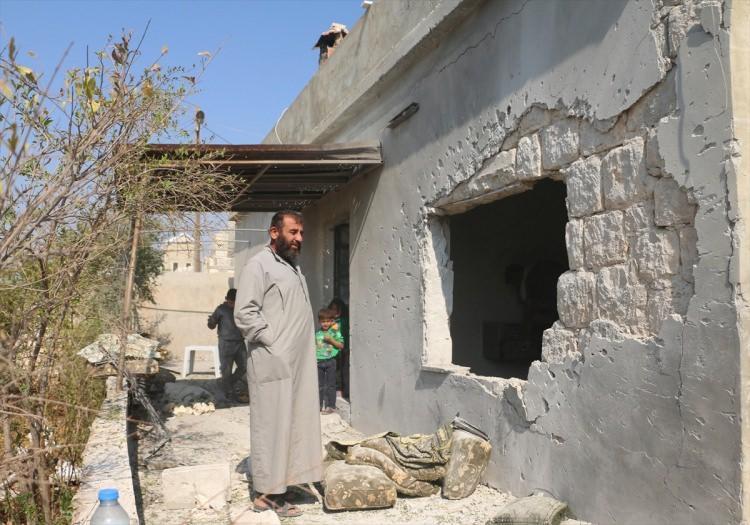 <p>Kameralara yansıyan görüntülerden, bir evin yerle bir edildiği ve sivillere ait bazı evlerin zarar gördüğü anlaşılıyor.</p>