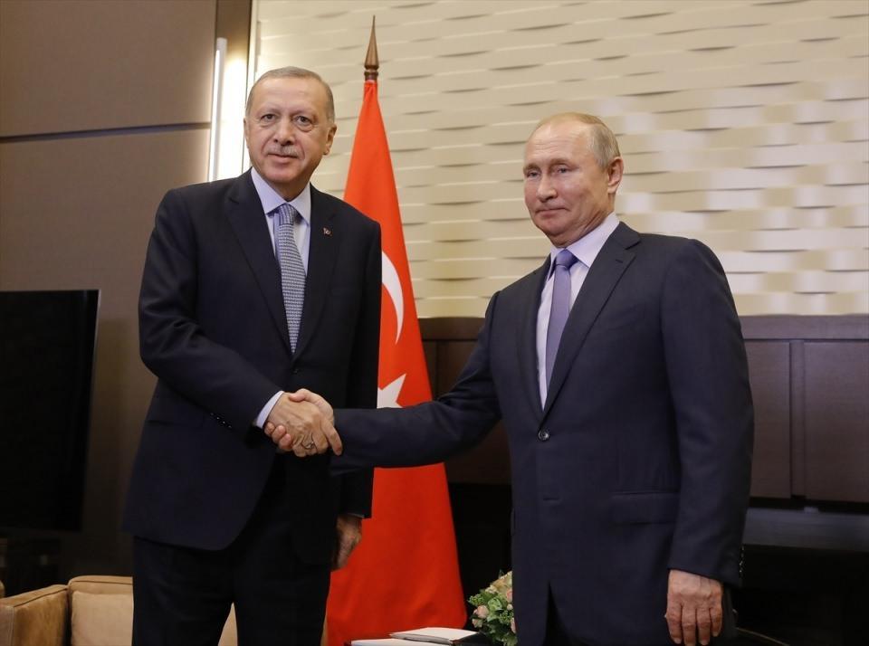 <p>Türkiye Cumhurbaşkanı Recep Tayyip Erdoğan ve Rusya Devlet Başkanı Vladimir Putin, Devlet Başkanlığı Rezidansı'nda baş başa görüşme gerçekleştirdi.</p>  <p></p>