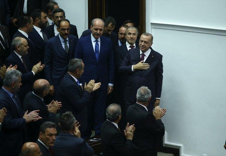 <p>Türkiye Cumhurbaşkanı ve AK Parti Genel Başkanı Recep Tayyip Erdoğan, partisinin TBMM'deki grup toplantısına katıldı.</p>  <p></p>