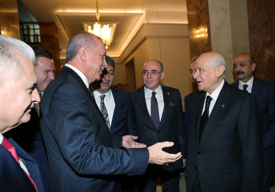 <p>Cumhurbaşkanı Erdoğan, TBMM'de partisinin grup toplantısının ardından Bahçeli ile bir araya geldi.</p>  <p></p>