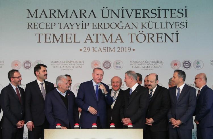 <p>Türkiye Cumhurbaşkanı Recep Tayyip Erdoğan, Marmara Üniversitesi Recep Tayyip Erdoğan Külliyesi Temel Atma Töreni'ne katılarak konuşma yaptı.</p>
