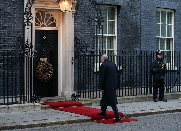<p>Türkiye Cumhurbaşkanı Recep Tayyip Erdoğan, Suriye konulu Dörtlü Zirve'de Fransa Cumhurbaşkanı Emmanuel Macron, Almanya Başbakanı Angela Merkel ve İngiltere Başbakanı Boris Johnson ile bir araya geldi.<br /> </p>
