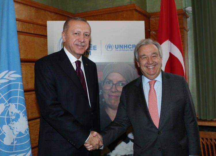 <p>Cumhurbaşkanı Recep Tayyip Erdoğan, çeşitli temaslarda bulunmak üzere geldiği İsviçre'de Birleşmiş Milletler Genel Sekreteri Antonio Guterres ile bir araya geldi.</p>