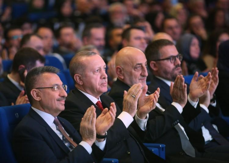 <p>Cumhurbaşkanı Erdoğan, 2019 Necip Fazıl Ödülleri Töreni'nde konuştu.</p>