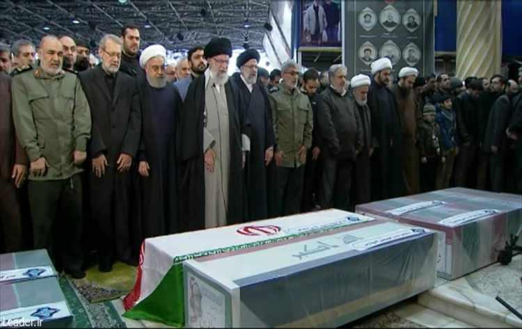 <p>Irak'ın başkenti Bağdat'ta ABD'nin düzenlediği saldırı sonucu öldürülen İran Devrim Muhafızları Ordusu'na bağlı Kudüs Gücü Komutanı Kasım Süleymani çin başkent Tahran'da cenaze töreni düzenlendi.</p>