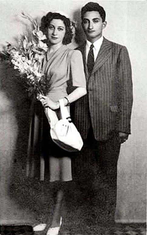<p>Eski Başbakan Bülent Ecevit'in eşi Rahşan Ecevit 97 yaşında tedavi gördüğü GATA'da hayatını kaybetti.</p>