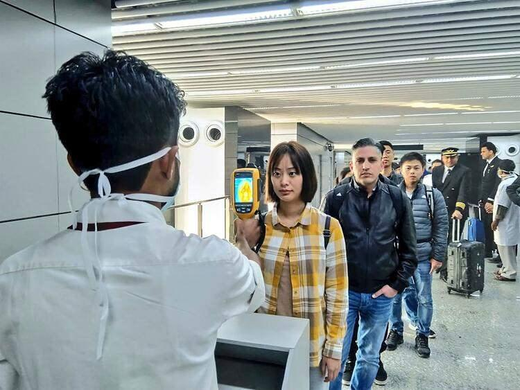 <p>Yeni vakaların 72'sinin Hubey eyaletinde, 2'sinin Şanghay'da, 3'ünün de Pekin'de görüldüğü belirtilmişti. Virüs, Çin'de 25 Ocak itibarıyla başlayacak Çin Yeni Yılı (Bahar Bayramı) dolayısıyla tatillerini memleketlerinde geçirmek isteyen milyonlarca kişi açısından da risk oluşturuyor.</p>