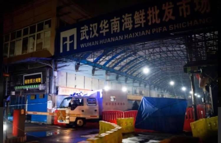 <p>Çin'de ortaya çıkan koronavirüsün Vuhan kentindeki Huanan Deniz Ürünleri Pazarı'nda satılan yayıldığı öngörülüyor.</p>