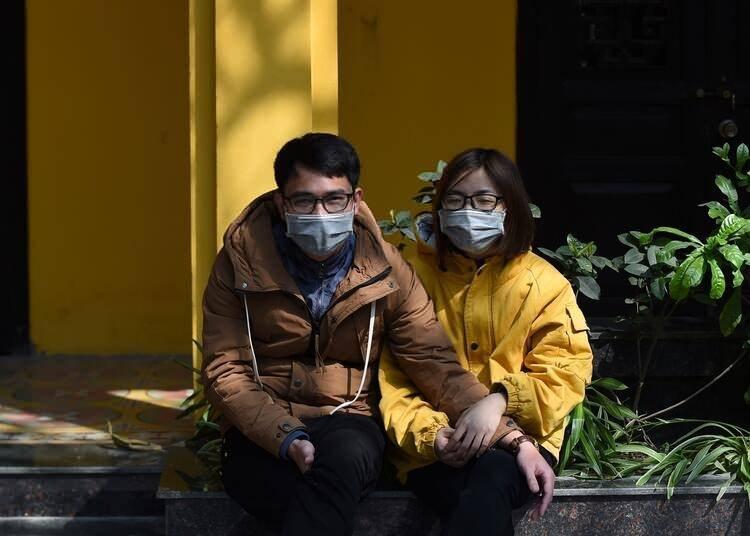 """<p><span style=""""color:#FFD700"""">DSÖ EN BÜYÜK RİSKİ AÇIKLADI</span></p>  <p>Ghebreyesus, virüsle ilgili en büyük endişenin sağlık sisteminin güçsüz olduğu ülkelere yayılması olduğunu dile getirdi.</p>"""