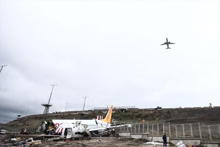 Amerika'dan gelen heyet uçak enkazında inceleme yapıyor