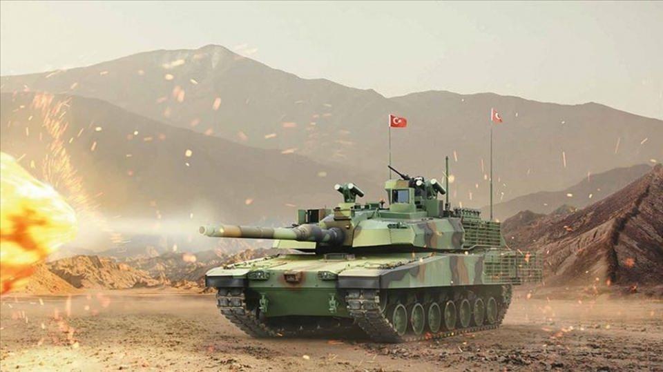 <p>İşte Altay tankının özellikleri...</p>  <p>Türkiye'nin ilk Milli Ana Muharebe Tankı Altay'ın tasarımında, Türk Silahlı Kuvvetleri'nin gerçekleştirebileceği her türlü harekat şartları ve katılım sağlayacağı BM/NATO harekatlarının ihtiyaçları göz önünde bulunduruldu.</p>  <p>Altay, Türkiye'nin geliştirdiği 3+ nesil ana muharebe tankıdır.</p>