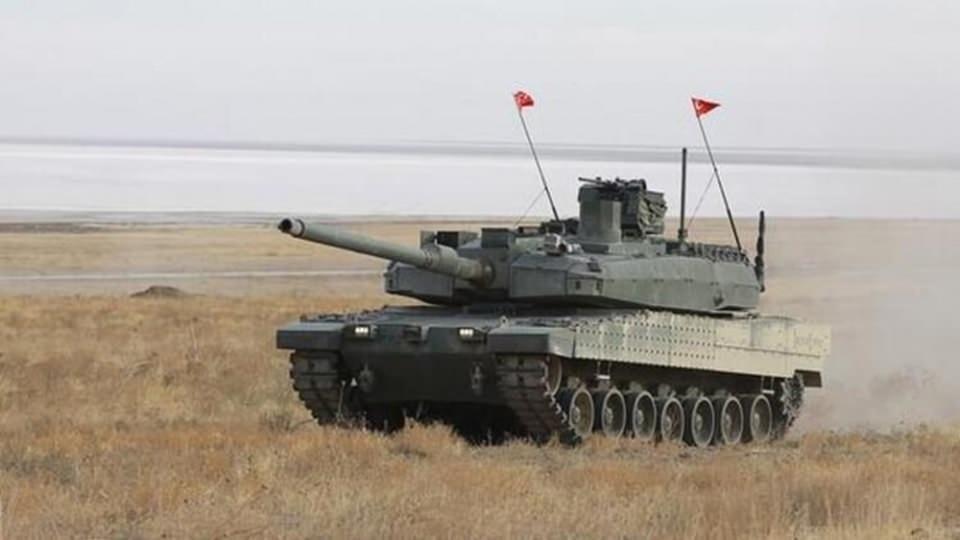 """<p>Sancak, """"Umut ediyorum ki 24 ay sonra TSK kendi eseri olan Altay'ı harp sahasında kullanacak. En geç 48 ay sonra da Altay tankı ve beraberindeki diğer ürünler Türk malı ve yerli olacak."""" bilgisini verdi.</p>  <p></p>"""