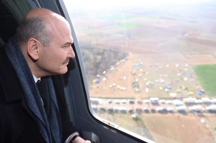 <p>İçişleri Bakanı Süleyman Soylu, Türkiye-Yunanistan sınırının sıfır noktasında havadan incelemelerde bulundu.</p>