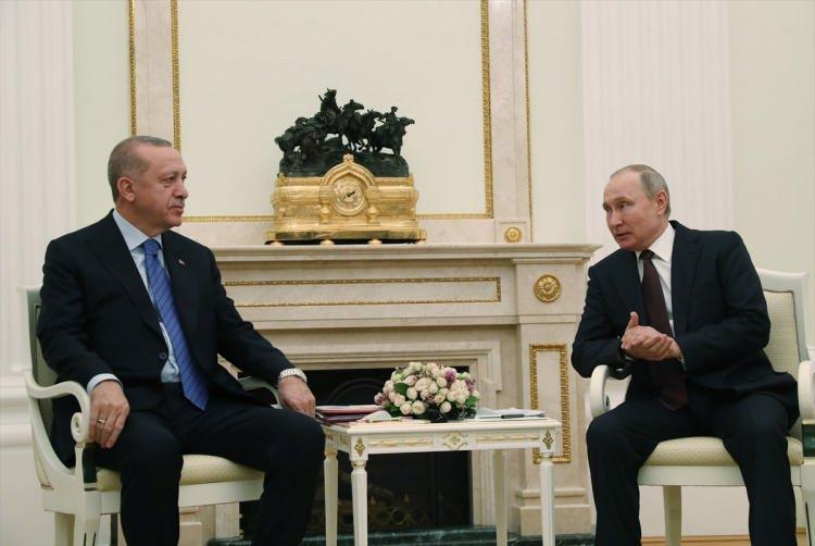<p>Türkiye Cumhurbaşkanı Recep Tayyip Erdoğan ve Rusya Devlet Başkanı Vladimir Putin, Rusya'nın başkenti Moskova'da bir araya geldi.</p>