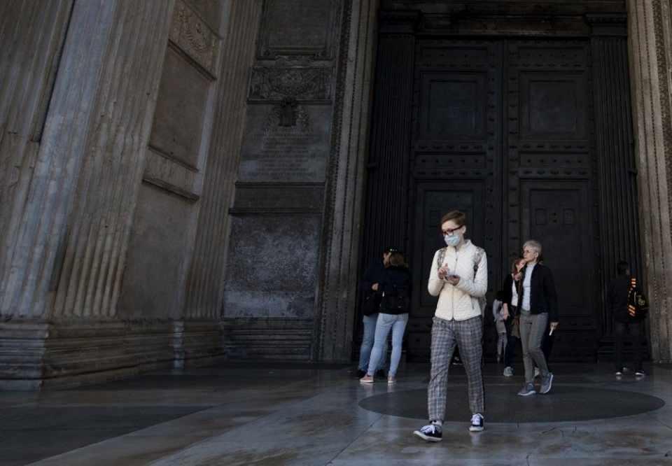 İtalya'da 16 milyon insan karantina altında! Şehirler bomboş kaldı...