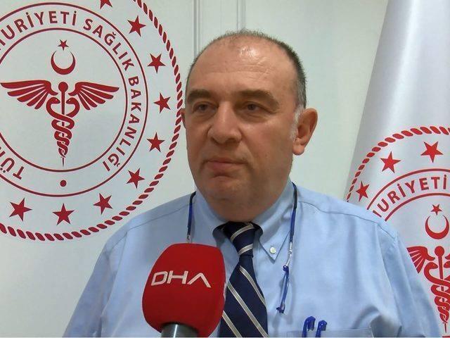 """<p>Türkiye'de ilk kez tespit edilen koronavirüs vakasıyla ilgili Bilim Kurulu Üyesi Prof. Dr. Ateş Kara, """"Vakanın erken tespit edilmesi önemliydi. 14 gün boyunca gözlem altında tutulması önemli. Son 14 gün içerisinde yurt dışından gelip evde kaldıysa sadece evdekilerle temas etmiştir.</p>"""