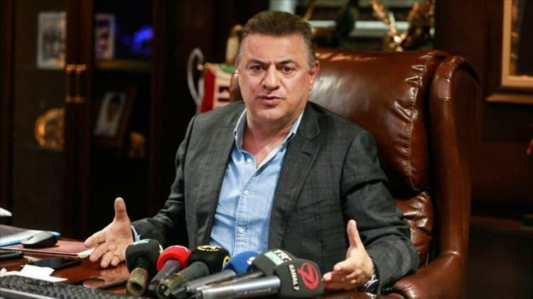 <p><strong>RİZESPOR BAŞKANI HASAN KARTAL</strong></p>  <p>Cumhurbaşkanı Recep Tayyip Erdoğan tarafından başlatılan Milli Dayanışma Kampanyası'na Çaykur Rizespor Başkanı Hasan Kartal 500 bin TL katkıda bulundu.</p>