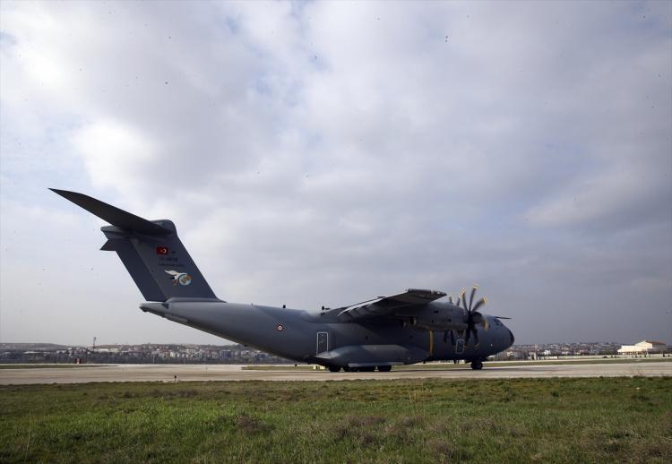 <p>Türkiye'nin gönderdiği yardımları taşıyan uçak, Ankara'dan ilk olarak İspanya'ya hareket etti. Uçak oradan da İtalya'ya gidecek.</p>  <p></p>