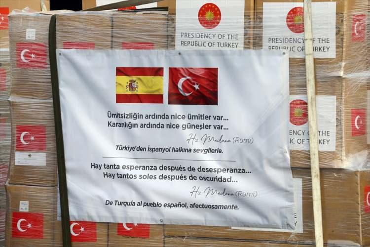 <p>Türkiye, yeni tip koronavirüsle (Kovid-19) mücadeleye destek amacıyla İspanya ve İtalya'ya tıbbi yardım malzemesi gönderdi.</p>
