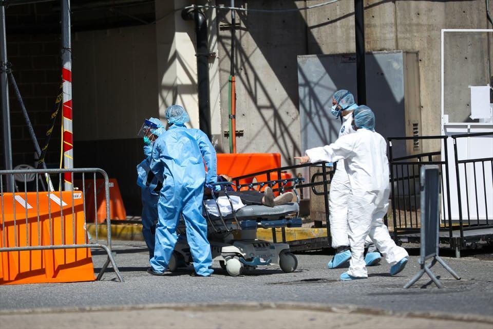 <p><strong>New York'ta 16 bin kişi virüsten ölebilir</strong></p>  <p></p>  <p>Cuomo, veriler doğrultusunda yapılan birtakım tahminlere göre ise New York'ta 16 bin kişinin virüs yüzünden hayatını kaybedebileceğini vurguladı.</p>