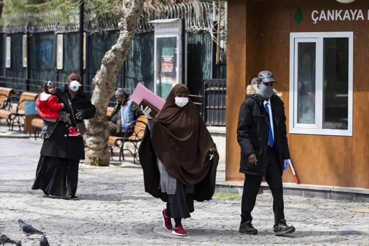 <p>Ankara'nın merkez sayılabilecek Kızılay, Cebeci, Mamak ile Çankaya'nın özellikle Öveçler ve Oran arasındaki bölgesinde hasta yoğunluğu bulunsa da, bunların ciddi vaka sayısı fazla değil.</p>