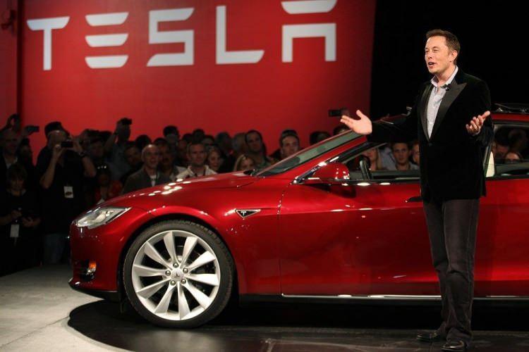 Bir tweet attı Tesla'ya 14 milyar dolara patladı!