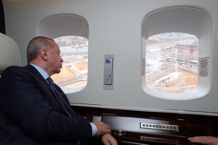 Cumhurbaşkanı Erdoğan, Başakşehir Şehir Hastanesi'ni inceledi