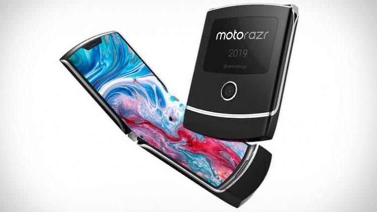 <p>Motorola RAZR - Motorola firmasının efsane modeli katlanabilir ekran teknolojisi sayesinde yine aynı popülariteyi yakalamayı başardı.</p>