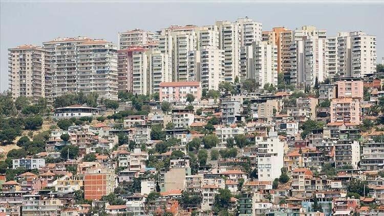 <p><strong>TUZLA</strong><br /> <br /> İlçedeki binaların ortalama yüzde 5'inin ağır, yüzde 2'sinin çok ağır hasar görmesi beklenirken, yaklaşık 7 bin 126 binanın orta ve üstü seviyede hasar göreceği tahmin ediliyor.</p>