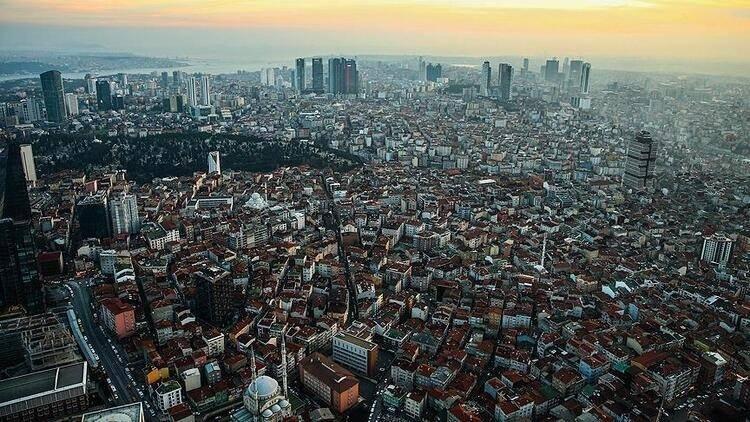 <p></p>  <p><strong>DİĞER RİSKLİ İLÇELER</strong></p>  <p></p>  <p>İstanbul'da riskli bölgeler olarak görülen diğer ilçelerdeki durum ise sayısal veriler üzerinden şöyle yer alıyor:</p>