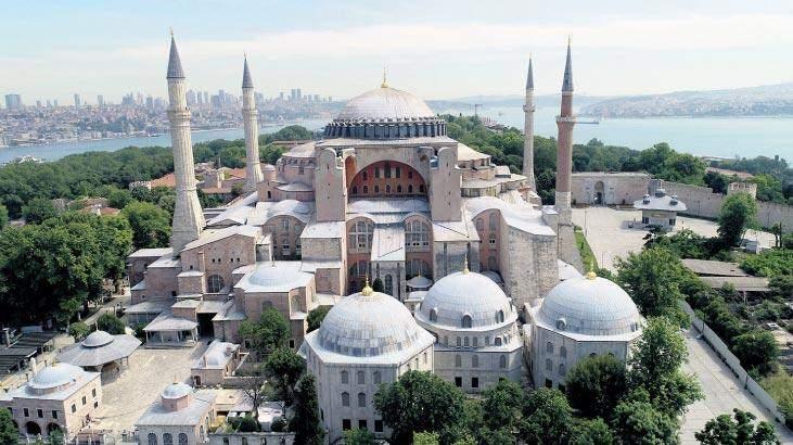 <p>Fatih Sultan Mehmet'in emaneti Ayasofya, 86 yıl sonra CumhurbaşkanıRecep Tayyip Erdoğantarafından ibadete açıldı.</p>  <p>Karar Türkiye'de ve Müslüman dünyasında büyük sevinçle karşılandı. Ayasofya'nın ibadete açılmasından rahatsız olanlar da açık açık bu duygularını dile getirmeye başladı.</p>