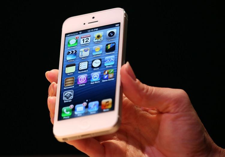 <p><!--[if !supportLists]-->- <!--[endif]-->21 Aralık 2017'den önce iOS 10.2.1 veya üstü işletim sistemini çalıştıran iPhone 6, iPhone 6 Plus, iPhone 6s, iPhone 6s Plus ve iPhone SE</p>