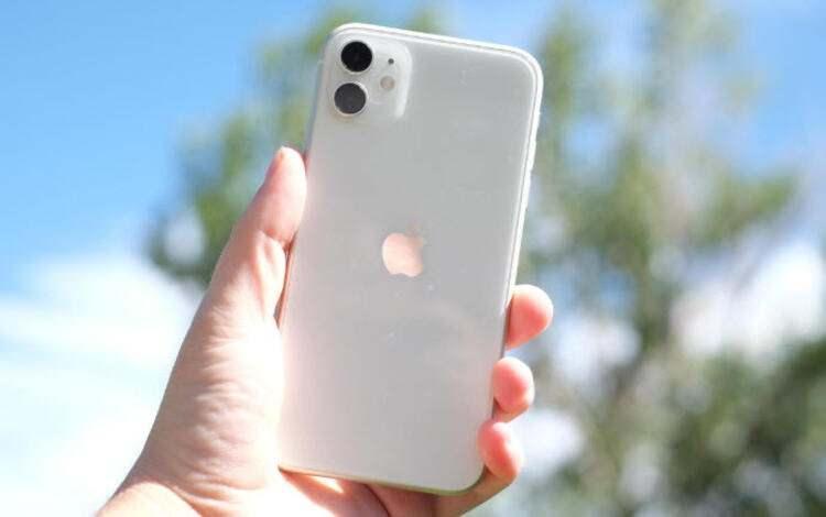 <p><strong>iPhone 11 – 128 GB</strong></p>  <p>Eski fiyat: 7.749 TL<br /> <br /> Yeni fiyat: 8.449 TL<br /> <br /> Fark: 700 TL</p>