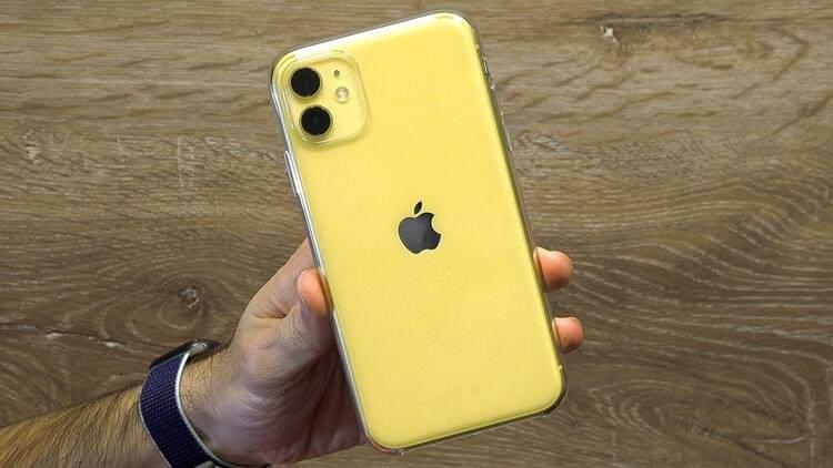 <p><strong>iPhone 11 - 256 GB</strong></p>  <p>Eski fiyat: 8.599 TL<br /> <br /> Yeni fiyat: 9.299 TL<br /> <br /> Fark: 700 TL</p>