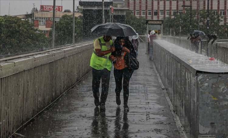 <p>13 Ağustos Perşembe günü de Doğu Karadeniz'de yağmur beklenirken, ülke genelinde güneş etkisini gösterecek.</p>  <p><strong>Kaynak: Haber7, AA</strong></p>