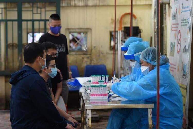 <p>Başta DSÖ olmak üzere dünyanın birçok ülkesi Rusya'nın açıkladığı aşı haberine temkinli yaklaşmış, aşının tam olarak hazır olmasının mümkün olamayacağı yönündeki şüphelerini dile getirmişti. Bugünse Rus aşısıyla ilgili yeni bir gelişme yaşandı.</p>  <p></p>