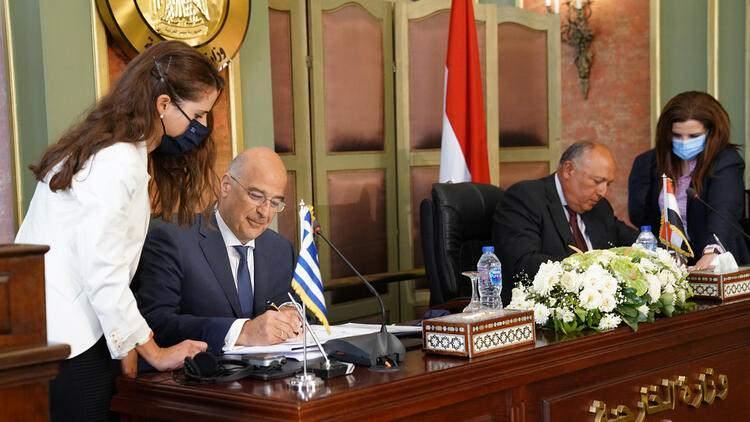 <p>YUNANİSTAN VE MISIR'IN KORSAN ANLAŞMASI</p>  <p>Yunanistan ve Mısır arasında imzalanan 'deniz yetki alanlarının sınırlandırılması anlaşması', Türkiye'nin yok sayılması nedeniyle tepki çekti. 6 Temmuz 2020 tarihinde Mısır Dışişleri Bakanı Samih Şükri ile Yunanistan Dışişleri Bakanı Nikos Dendias, başkent Kahire'de anlaşma imzaladı.</p>