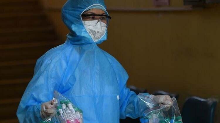 <p>Vietnam devlet televizyonunun duyurduğuna göre ülke Rusya'dan aşıyı ilk satın alacak ülke olarak sipariş verdi.</p>  <p></p>