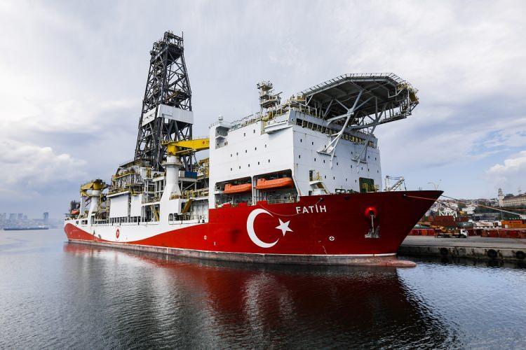 <p>Fatih sondaj gemisi, 229 metre uzunluğunda, 36 metre genişliğinde ve 51 bin 283 groston ağırlığına sahip.</p>