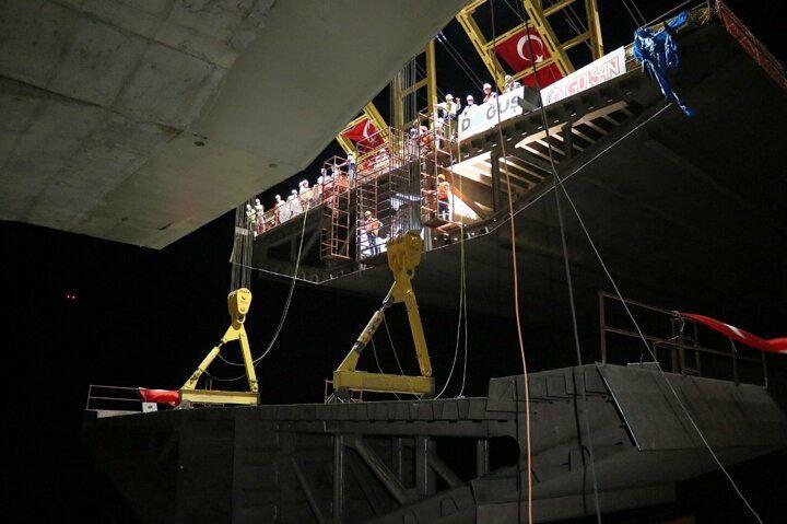 16 il birleşti: Stratejik konumdaki köprüde son montaj yapıldı